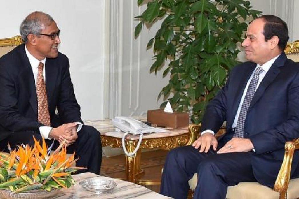 LAWATAN KE MESIR: Encik Zainul Abidin Rasheed (kiri) mengadakan pertemuan dengan Presiden Mesir, Encik Abdel Fattah Al Sisi. - Foto PEJABAT PRESIDEN MESIR