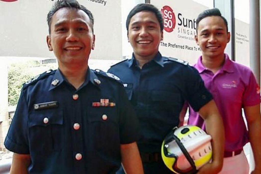 TIGA BERANAK SEGAK BERGAYA: (Dari kiri) Encik Roslee Yusope, Encik Muhammad Nadir Hakim dan Encik Muhammad Zarirnaziz. - Foto ihsan NOR MOHD SOFIAN JOBRI