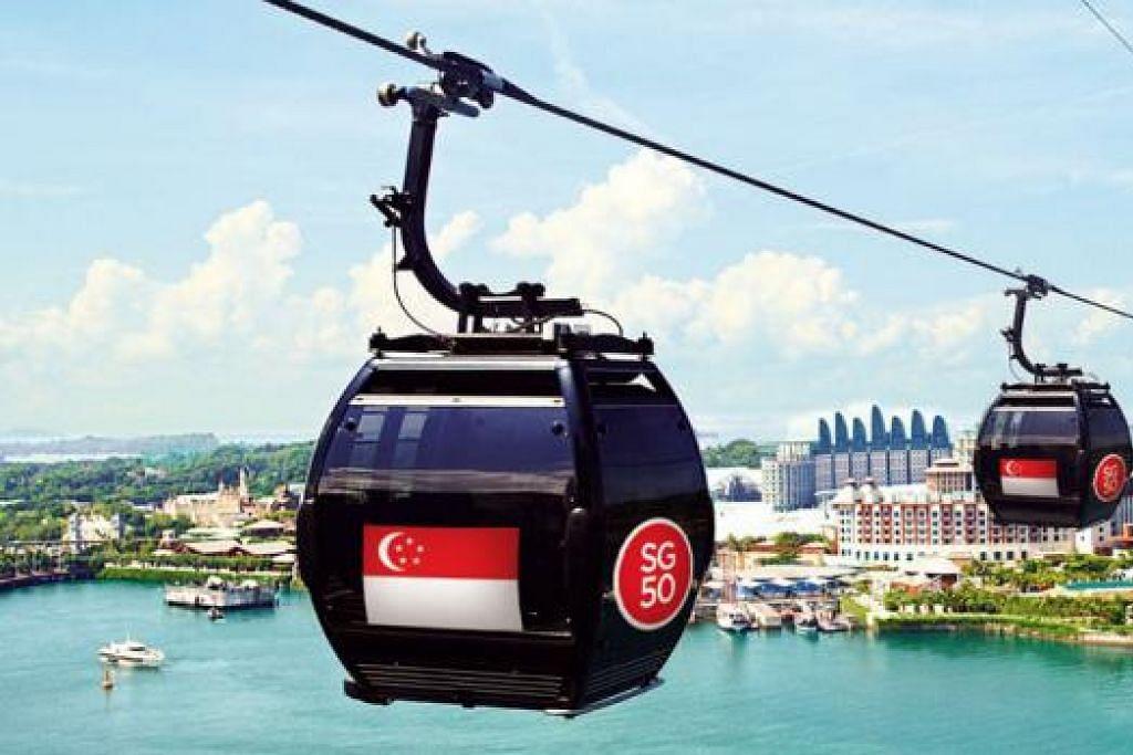 KERETA KABEL PATRIOTIK: Orang ramai mampu menaiki kereta kabel (atas) yang bersalutkan bendera Singapura dan mempelajari cara bikin sampul surat khas sebagai menyemarakkan sambutan ulang tahun Singapura yang ke-50 (SG50). - Foto-foto MOUNT FABER LEISURE GROUP