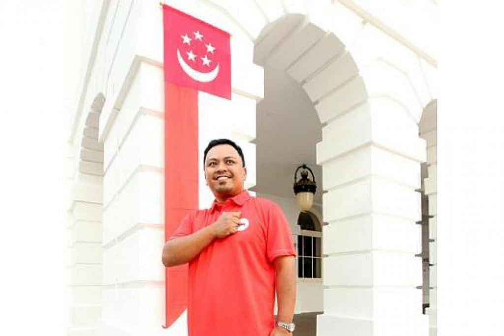 PIMPIN LAFAZ IKRAR: Encik Iswandee Johan dan lima lagi warga Singapura yang dilahirkan pada 9 Ogos akan memimpin lafaz ikrar di Padang tepat pada 8.15 malam ini. - Foto SPH