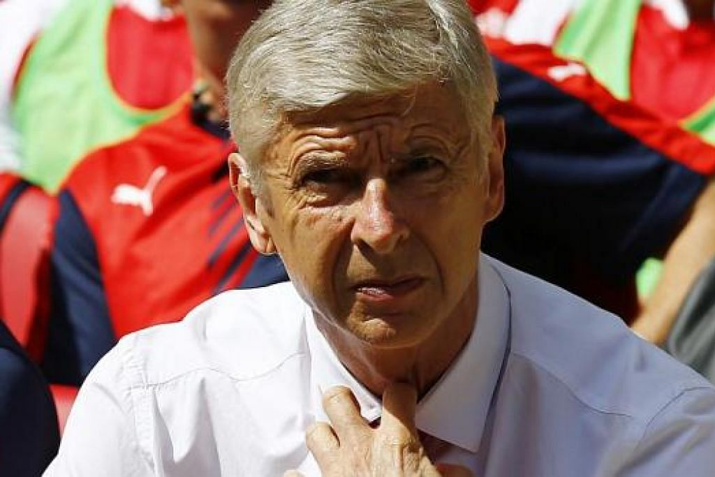 MATLAMAT SAMA: Dua pengurus ini - Arsene Wenger bagi Arsenal (gambar) dan Brendan Rodgers bagi Liverpool - tentunya ghairah melihat pasukan masing-masing mencatatkan permulaan baik bagi musim baru ini. - Foto-foto REUTERS