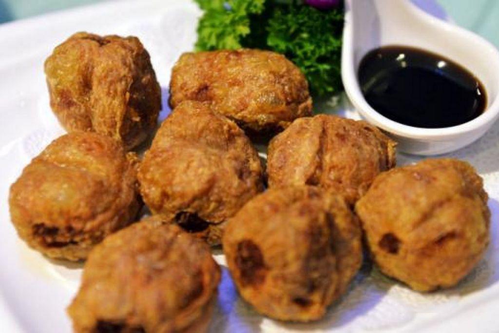 UDANG GULUNG: Lazat dicecah dengan sambal kicap dan dimakan bersama bihun atau nasi.