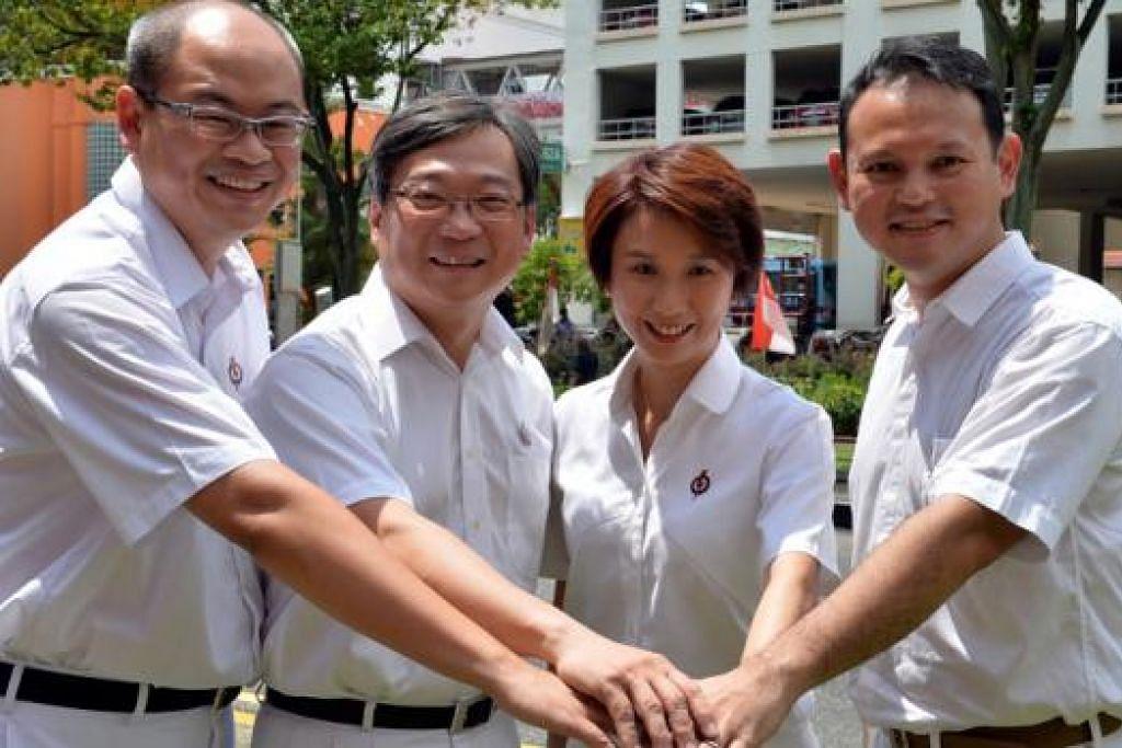CALON PAP CHUA CHU KANG: (dari kanan) Encik Zaqy Mohamad, Cik Low Yen Ling, Encik Gan Kim Yong dan calon baru, Encik Yee Chia Hsing. - Foto M. O. SALLEH