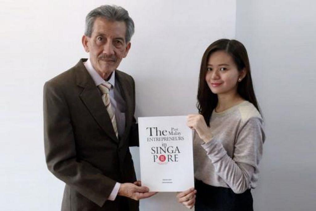 WARISAN USAHAWAN: Encik Ibrahim berganding bahu dengan anaknya, Cik Andik Marinah, dalam mengkaji dan menulis tentang sumbangan 50 usahawan mapan di Singapura pada zaman dulu. - Foto ihsan IBRAHIM ARIFF