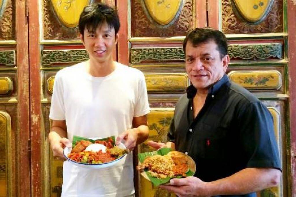 SUNTIK PEMBAHARUAN: Encik Ahmad Abdullah (kanan) dan Encik Choi berharap dapat memikat golongan pelanggan muda khususnya mahasiswa NUS yang berhampiran.