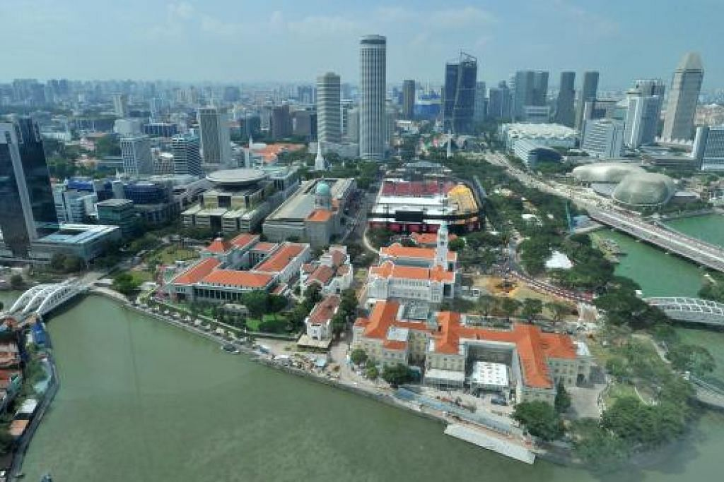 MEMELIHARA KEMANTAPAN EKONOMI: Cara Singapura menyesuaikan diri dengan perubahan ekonomi dunia akan menentukan nasib ekonomi nanti, menurut pengamat.