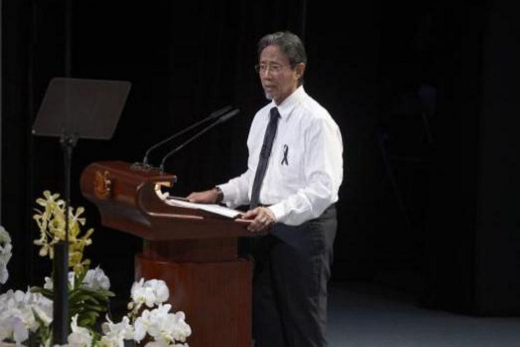 HAJI SIDEK SANIFF: Semasa upacara persemadian Encik Lee Kuan Yew, Haji Sidek Saniff telah menyampaikan ucapan yang begitu menyentuh hati dan menggambarkan betapa eratnya persahabatan antara Haji Sidek dengan Encik Lee Kuan Yew.