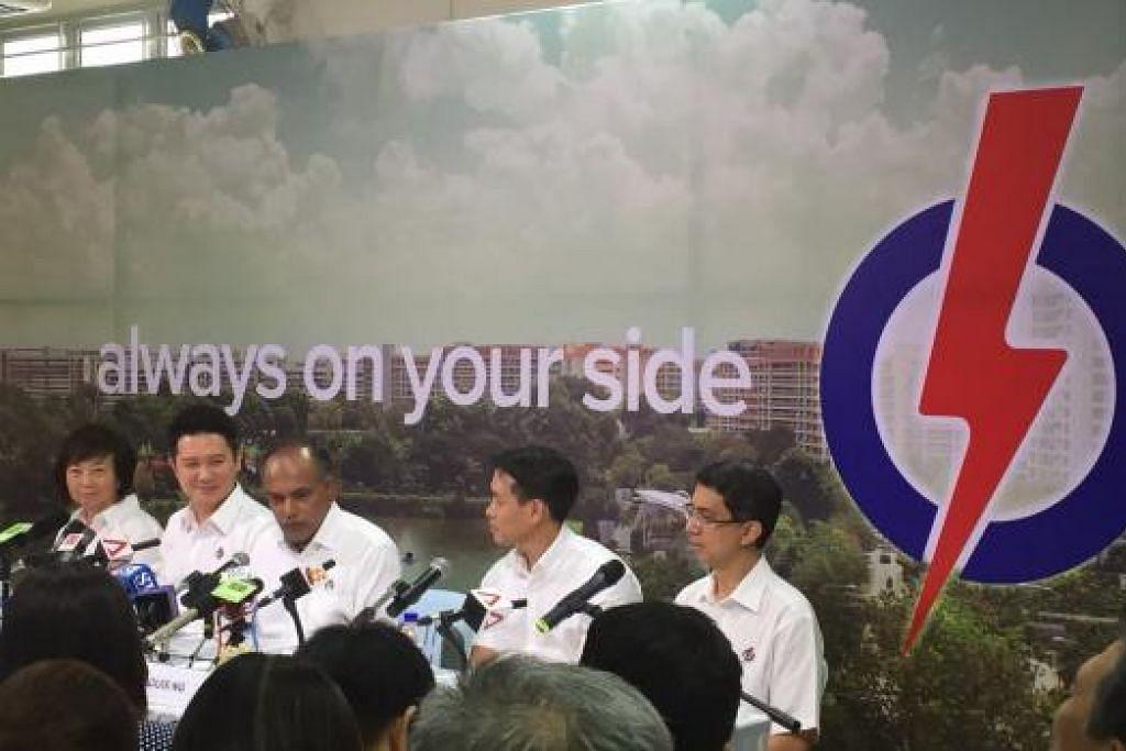 Barisan PAP bagi GRC Nee Soon, (dari kiri) Cik Lee Bee Wah, Encik Henry Kwek, Encik K. Shanmugam, Encik Louis Ng dan Dr Muhammad Faishal Ibrahim dalam siding media mereka. Gambar ERVINA MOHD JAMIL