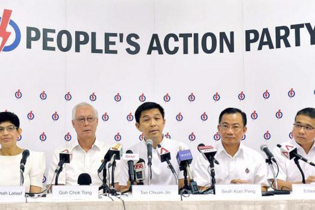 Encik Goh Chok Tong (dua dari kiri) bersama anggota pasukannya di GRC Marine Parade, (dari kiri) Dr Fatimah Lateef, Encik Tan Chuan-Jin, Encik Seah Kian Peng dan Encik Edwin Tong. Gambar MOHD KHALID BABA