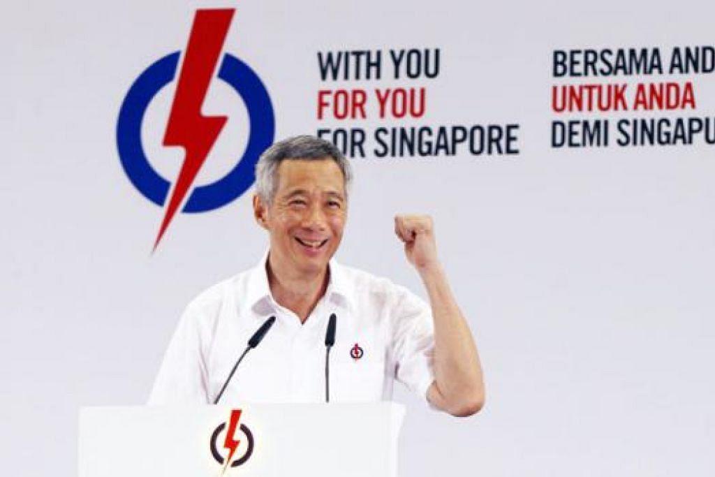 ENCIK LEE HSIEN LOONG: Beliau menggesa warga Singapura menganggap pilihan raya akan datang dengan serius kerana mereka bakal memilih pemerintah, pucuk pimpinan dan menentukan hala tuju negara ini. - Foto ZAOBAO