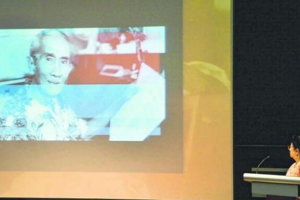 BERJIWA PATRIOTIK: Dengan falsafah daripada perbilangan Minang, 'Di mana bumi dipijak, di situ langit dijunjung', Pak Zubir Said menyuakan jiwa raganya untuk Singapura tanpa mengharap sanjungan dan ganjaran. Daripada sekitar 1,500 gubahan lagunya, 'Majulah Singapura' sebagai lagu kebangsaan terus tiada ternilai sebagai doanya untuk watan ini. Gambar menunjukkan anaknya, Dr Rohana Zubir (kanan), ketika menyampaikan ceramah mengenai ayahnya di Auditorium Taman Warisan Melayu baru-baru ini. - Foto JOHARI RAHMAT
