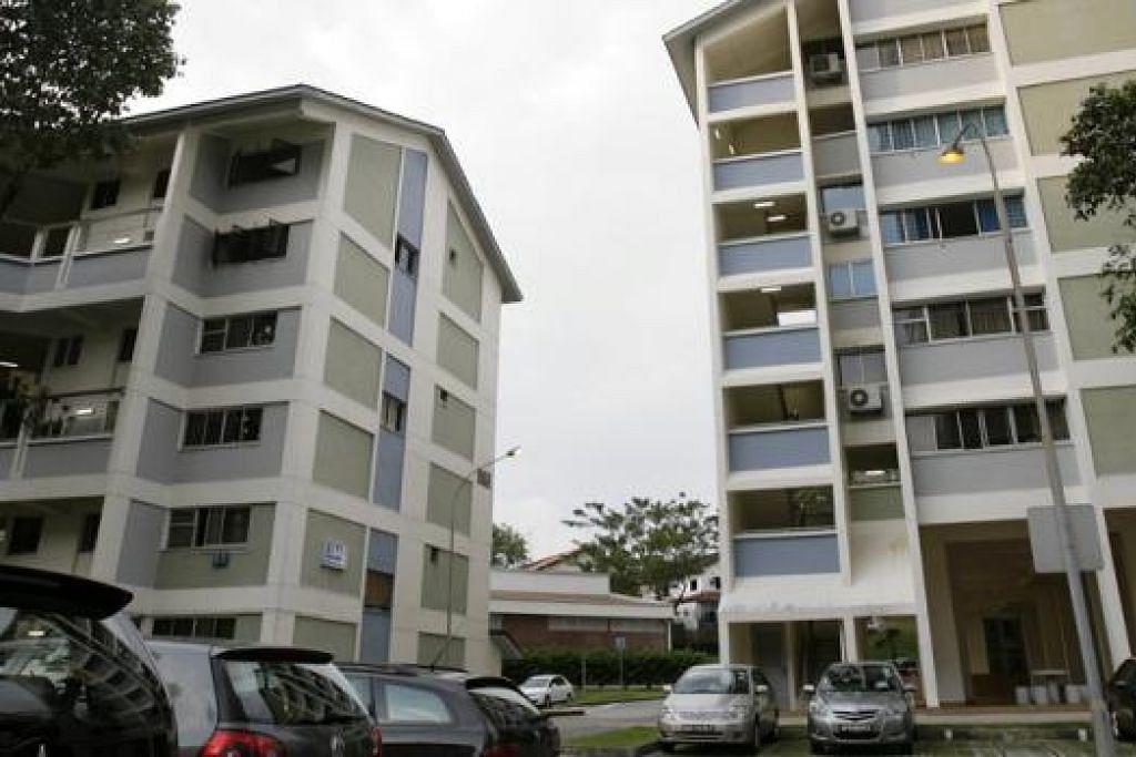 SHUNFU VILLE: Estet di Shunfu Road ini merangkumi tiga blok apartmen 16 tingkat dan tiga blok maisonet enam tingkat. - Foto fail
