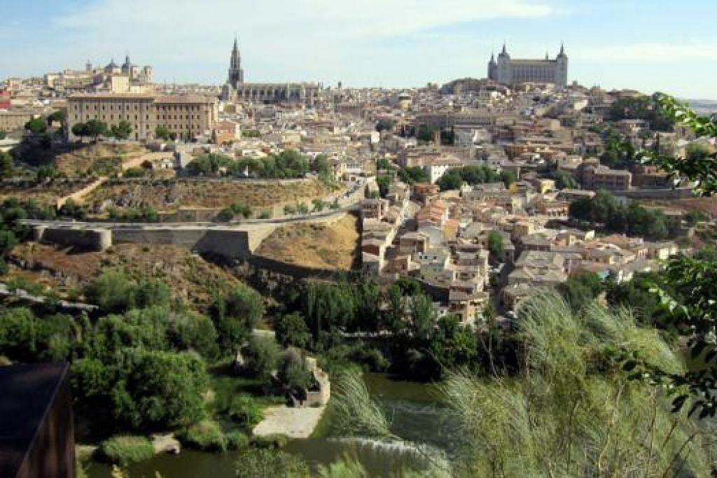 SENI BINA SEPANYOL: Beginilah wajah kawasan Toledo, Sepanyol. - Foto AMIN ZAINOTDINI