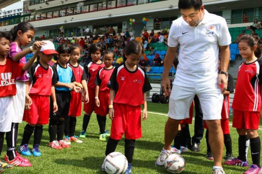 PROGRAM SERONOK: 'Program Cub' membolehkan kanak-kanak mengikuti latihan bola sepak dalam sekitaran yang seronok.