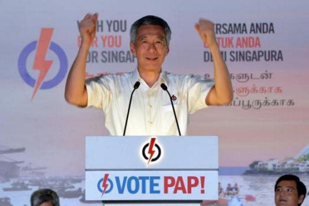 ENCIK LEE HSIEN LOONG: Beliau mengingatkan rakyat bahawa mereka akan memilih pemerintah Singapura dalam pilihan raya umum kali ini yang akan membentuk pucuk pimpinan dan menentukan masa depan mereka dan anak-anak mereka. - Foto M.O. SALLEH
