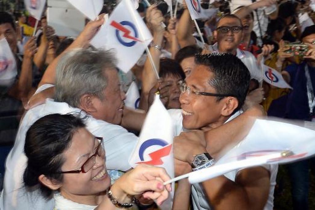 MENANG: Pasukan PAP GRC East Coast yang diwakili Dr Maliki, Encik Lim Swee Say, Encik Lee Yi Shyan, dan Cik Jessica Tan menang cemerlang di GRC yang dianggap panas. – Foto TAUFIK A. KADER