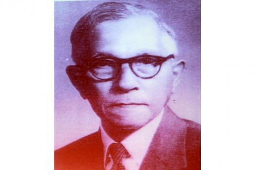 ALLAHYARHAM ISHAK AHMAD: Lahir pada 1886, bapa kepada Presiden Yusof Ishak, Abdul Aziz Ishak dan Abdul Rahim Ishak. - Foto fail