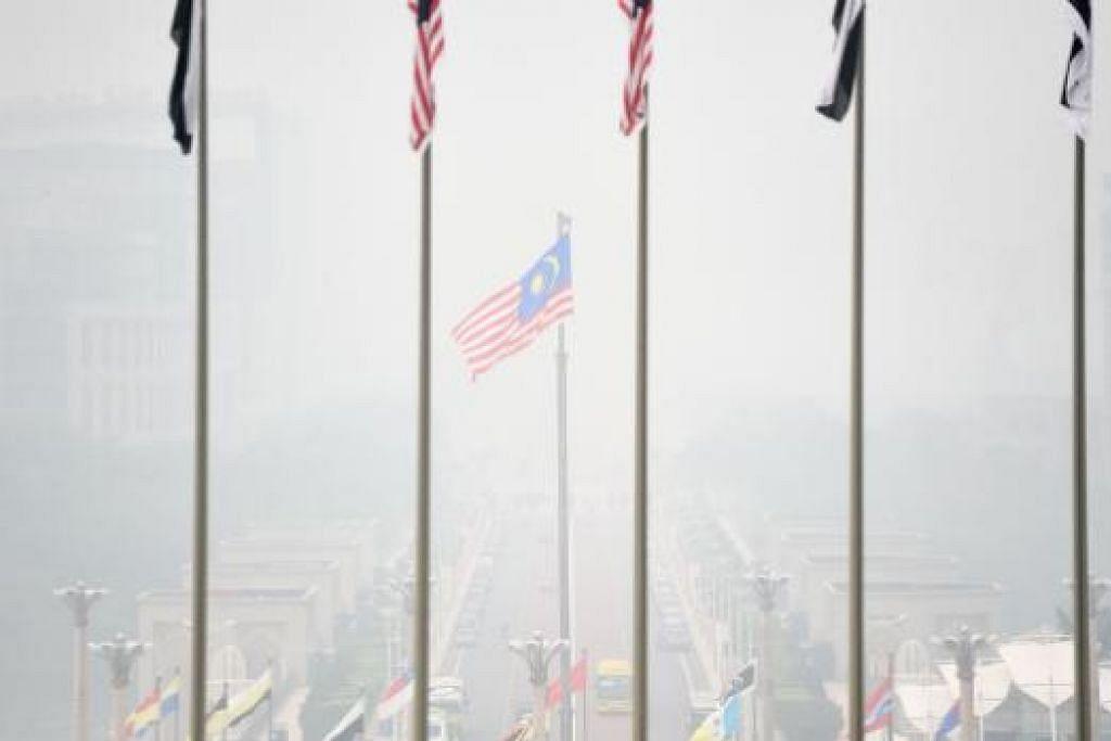 Keadean berjerebu di Putrajaya pada Isnin (14 September). Gambar AFP