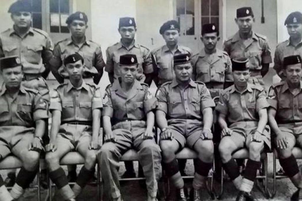KINI SEKADAR MEMORI: Sebahagian daripada askar yang menginap di Queen's Close antara 1950-an dan '70-an. - Foto FACEBOOK