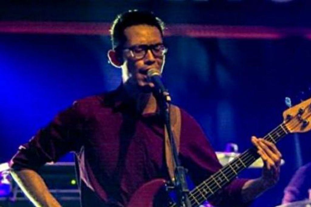 AMAT MINATI MUZIK: Muzik merupakan wadah kreatif bagi Dr Izzuddin Aris, seorang pemain gitar bes bagi lima band rok - Pulse!, Youthwreck, MetalGunz, Kaiowas dan Temple of Horses. - Foto ihsan DR IZZUDDIN ARIS