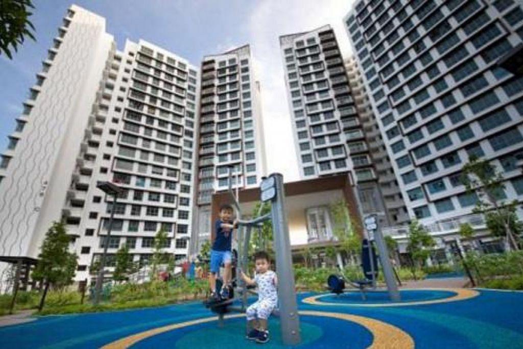 YANG TERBAIK: Flat BTO Hougang Capeview yang bukan sahaja menawarkan pemandangan indah di Kolam Air Serangoon bahkan tempat permainan kanak-kanak yang menarik, merupakan projek HDB pertama menerima anugerah mutu tertinggi dari BCA. - Foto HDB