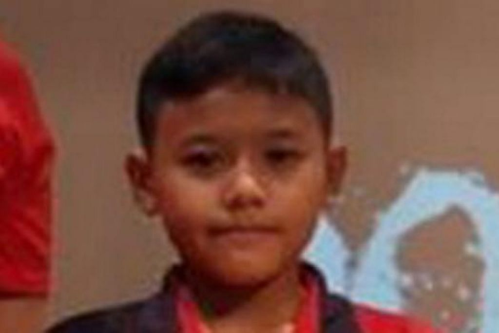 PENGARAH: Pengarah persembahan, Muhd Andy Hrithrik Nur Rauzan yang berusia 12 tahun. - Foto TEATER ARTISTIK