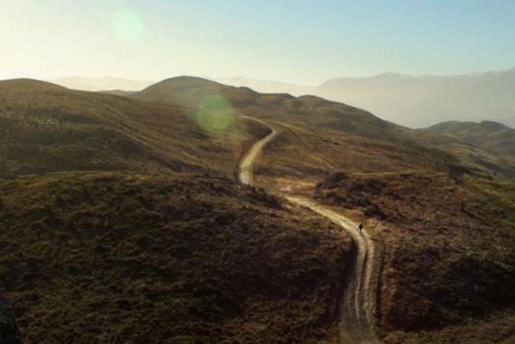 TREK KEMBARA: Inlah trek Queenstown Hill yang berdekatan dengan rumah penulis semasa bekerja di Queenstown, New Zealand.