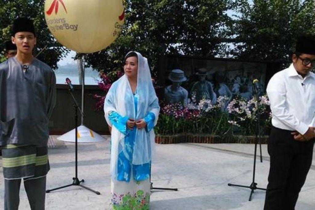 HAYATI SUMBANGAN: Beberapa penggiat seni muda akan menjayakan muzikal 'Legasi Zubir Said' yang dianjurkan sempena Bulan Bahasa. - Foto ihsan ROSE FADILAH ISMAIL