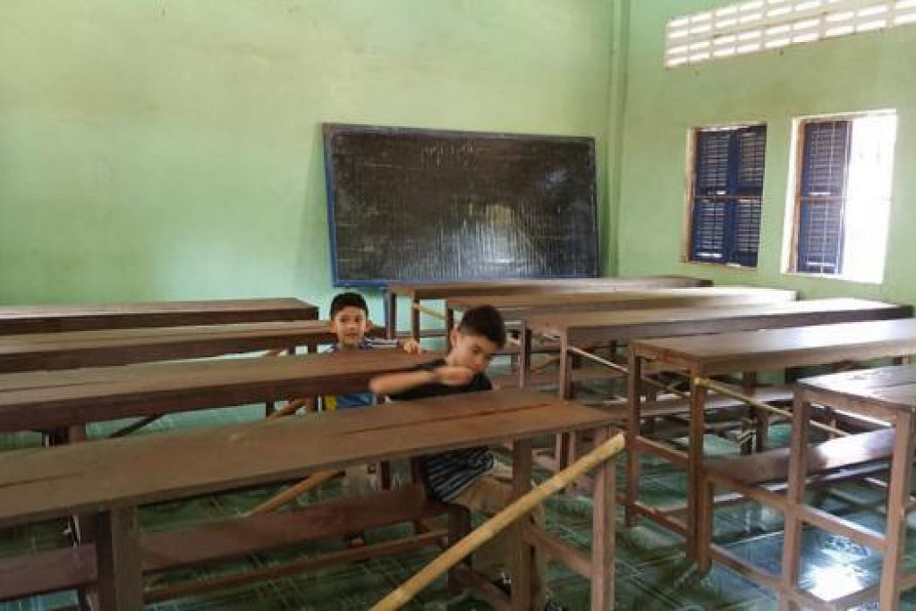BERBEZA DENGAN MADRASAH SETEMPAT: Inilah rupa bilik darjah Madrasah Cahaya Nabi Muhammad saw di Kampung Tual.