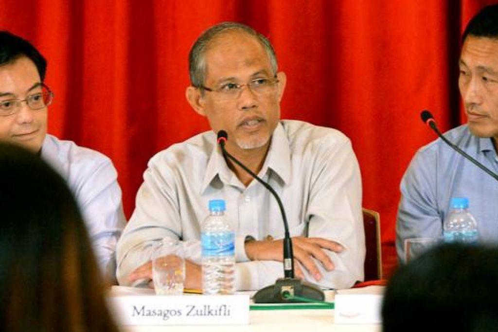 TUGAS BARU: Encik Masagos Zulkifli di sidang media di Istana semalam. - Foto KHALID BABA