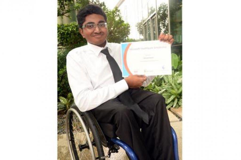 ENCIK MOHAMED NAJULAH: Pelajar tahun kedua Politeknik Singapura ini antara lima penerima biasiswa Microsoft YouthSpark, biasiswa bagi warga muda kurang upaya yang cemerlang. – Foto JOHARI RAHMAT