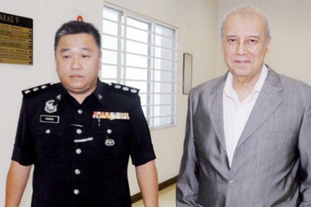 Mantan ketua menteri Melaka, Tan Sri Abdul Rahim Thamby Chik, di mahkamah pada Isnin 5 Oktober bagi menghadapi tuduhan memfitnah Raja Muda Selangor, Tengku Amir Shah, melalui kenyataan Facebook mengenai penukaran agama. Gambar NSTP