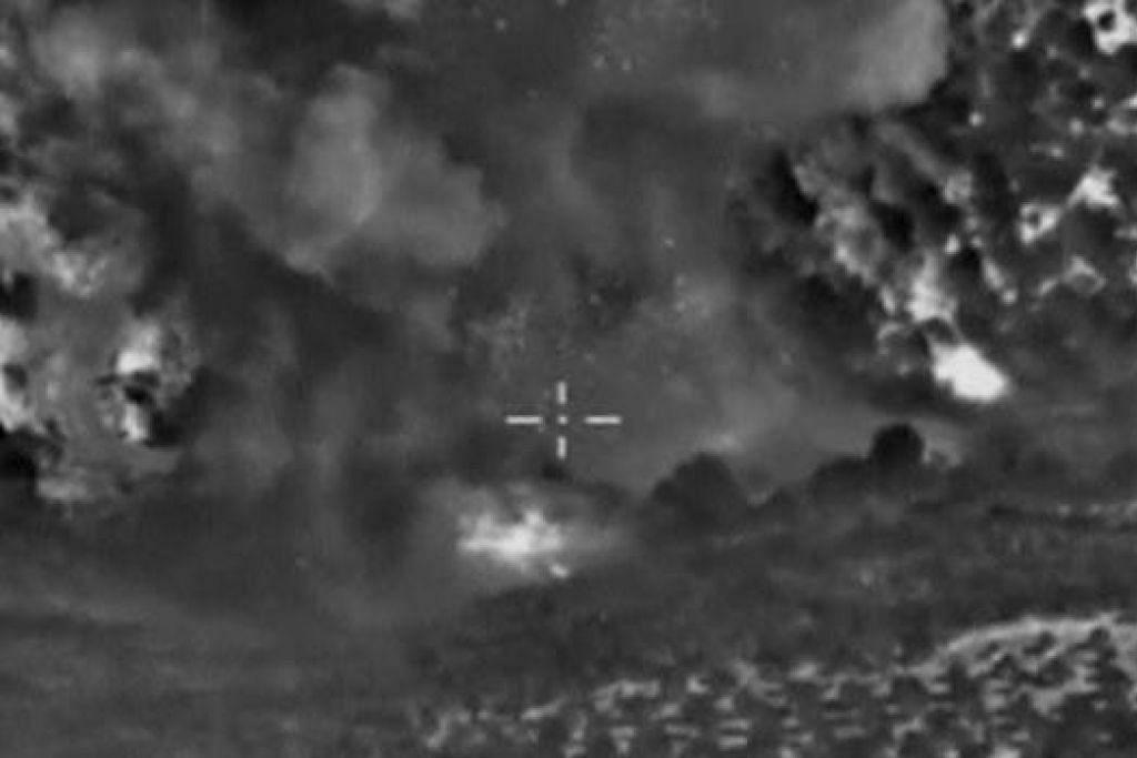 Gambar yang dikeluarkan Kementerian Pertahanan Russia pada 4 Oktober ini menunjukkan apa yang dikatakan Russia sebagai asap daripada serangan udaranya ke atas militant ISIS di dekat Jisr al-Shughour di wilayah Idlib, Syria. Gambar REUTERS