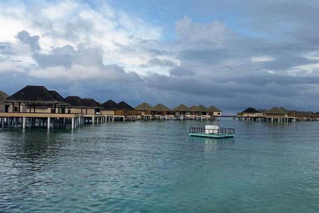 CANTIK TIDAK TERPERI: Inilah pemandangan penginapan penulis, Resort Adaran Prestige Vadoo, yang tidak jauh dari Male.