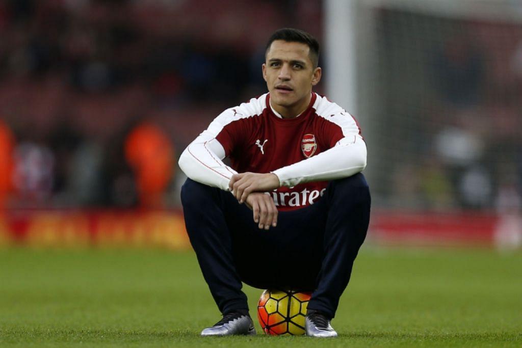PELUANG BELUM TERTUTUP: Penyerang Arsenal yang berasal dari Chile, Alexis Sanchez, yakin pasukannya memiliki pemain yang mampu menjadi juara.