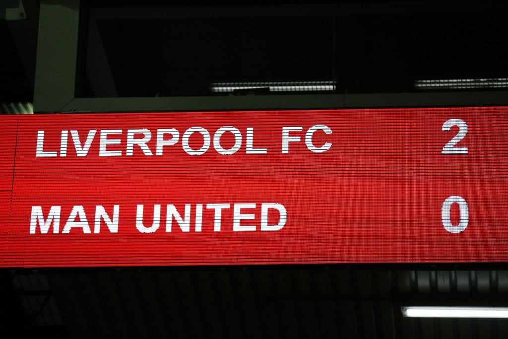 TANDA NYATA: Liverpool menewaskan Manchester United 2-0 dalam perlawanan pusingan pertama Piala Eropah di Anfield lewat pagi tadi. Gol dijaringkan Daniel Sturridge menerusi sepakan penalti pada minit ke-20 dan Roberto Firmino meluaskan jurang menerusi tendangan jitu pada minit ke-73. - Foto