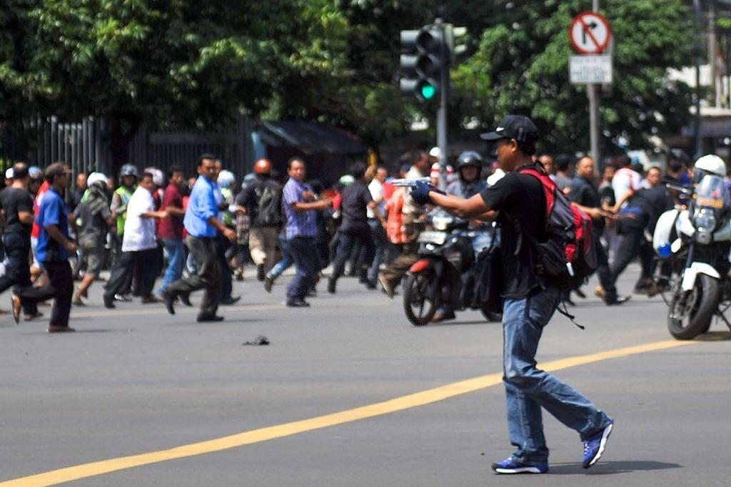 Tindakan polis Indonesia menyusuli serangan militan di Jakarta pada 14 Jan (atas) membawa kepada penangkapan empat pengikut 'Abu Sumatera', yang dipercayai memimpin satu sel pengganasan baru yang setia pada ISIS dan bergerak di Sumatera Utara.