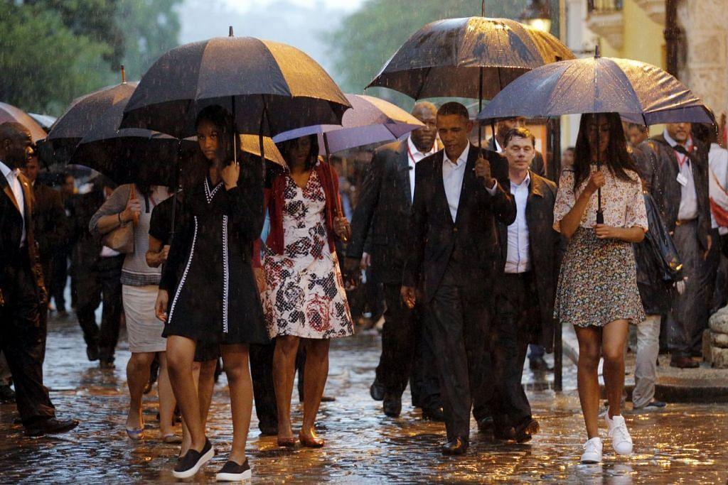 Presiden Barack Obama dan keluarganya berkunjung ke Old Havana di Havana pada permulaan lawatan tiga hari ke Cuba.