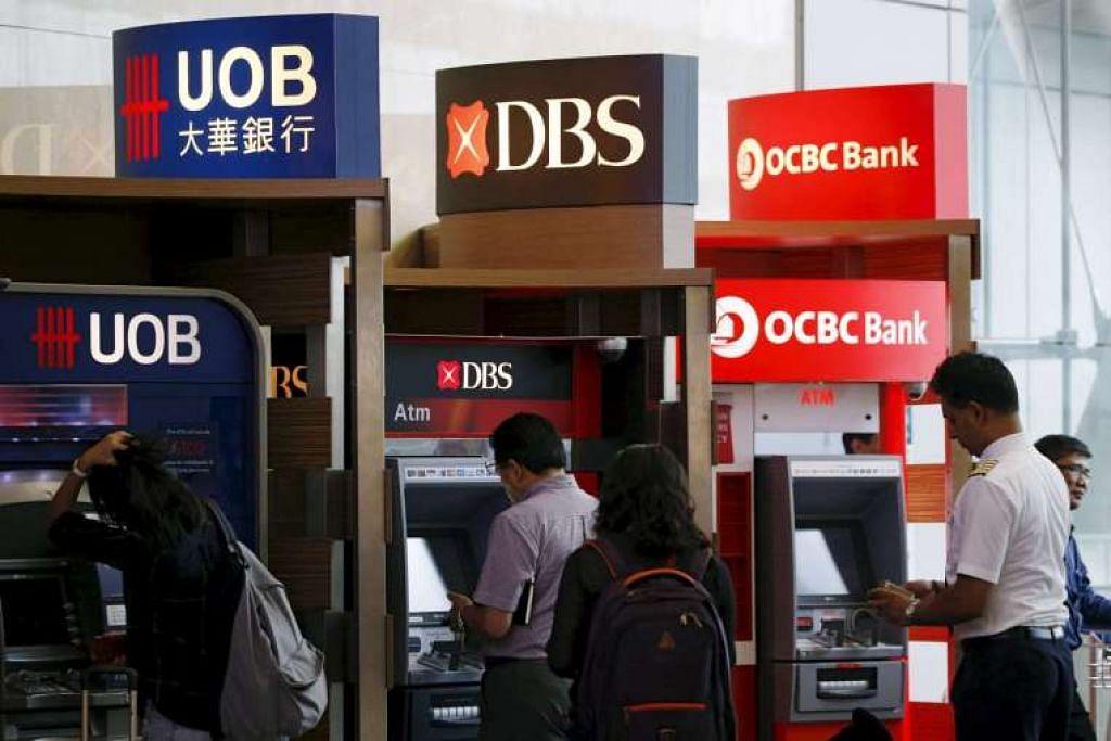 Moody's berkata semakannya mencerminkan jangkaan bahawa persekitaran operasi lebih mencabar bagi bank di Singapura pada 2016, dan mungkin seterusnya, akan memberi tekanan terhadap mutu aset dan keberuntungan bank itu.
