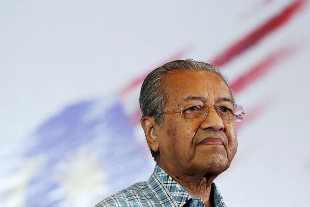 Dr Mahathir juga berhenti daripada jawatan Canselor Universiti Teknologi Petronas dan penasihat Lembaga Pembangunan Langkawi dan Lembaga Pembangunan Pulau Tioman, umum pejabatnya pada Khamis, 31 Mac.