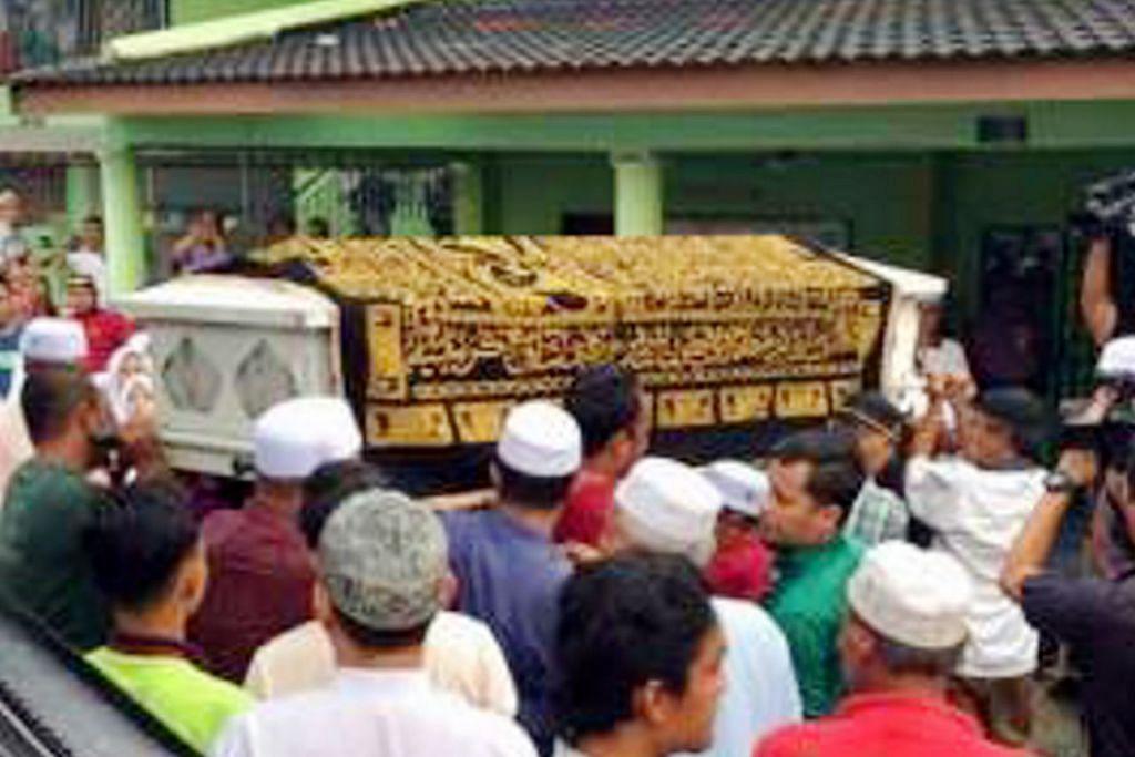 SELAMAT DIKEBUMIKAN: Mohd Yusof Abdul Hamid, atau Mr Os, selamat dikebumikan di Tanah Perkuburan Islam Bukit Permata Sri Gombak Indah sekitar 6.30 petang kelmarin. - Foto-foto ASTRO AWANI