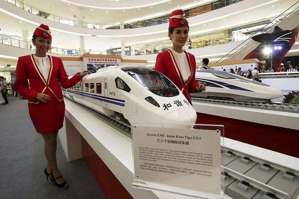 Model kereta api kereta api berkelajuan tinggi China yang dipamer dalam sebuah di Jakarta pada Ogos lalu. epas. Sektor kereta api muncul sebagai elemen penting dalam usaha China menjadi pemain ekonomi utama di Malaysia.