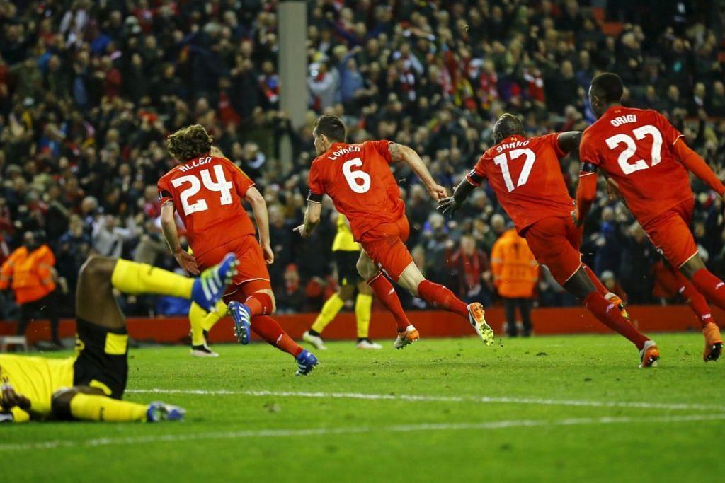 Dejan Lovren merai gol keempat Liverpool yang dijaringkannya bersama rakan sepasukan.