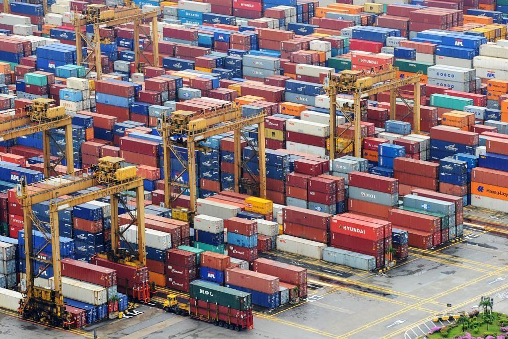 Permintaan kedua-dua barangan elektronik dan bukan elektronik berkurangan pada Mac, umum International Enterprise (IE) Singapore.
