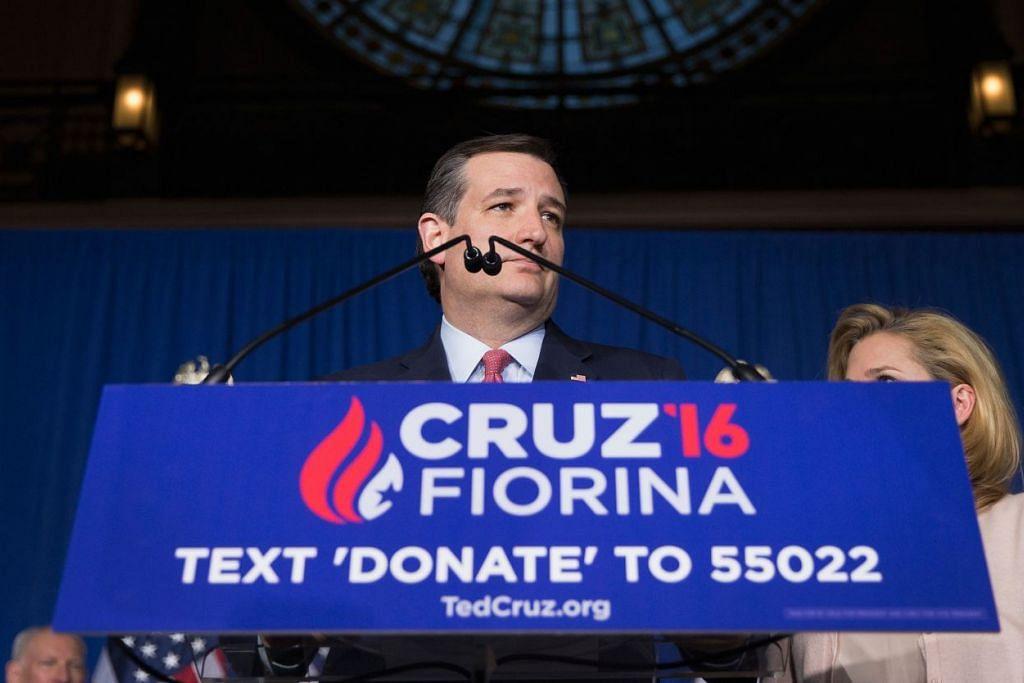 """Senator Ted Cruz mengumumkan beliau """"menggantung"""" usahanya mendapatkan pencalonan presiden parti Republikan pada 3 Mei 2016 di Indianapolis, Indiana."""