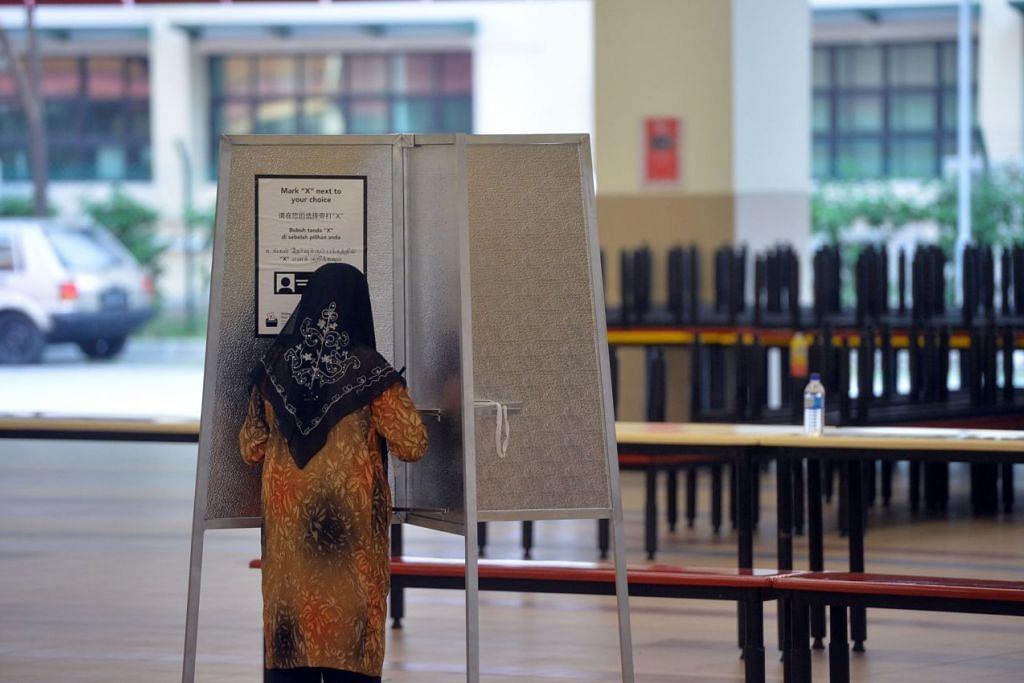 Penduduk Bukit Batok telah mula mengundi sejak 8 pagi hari ini.
