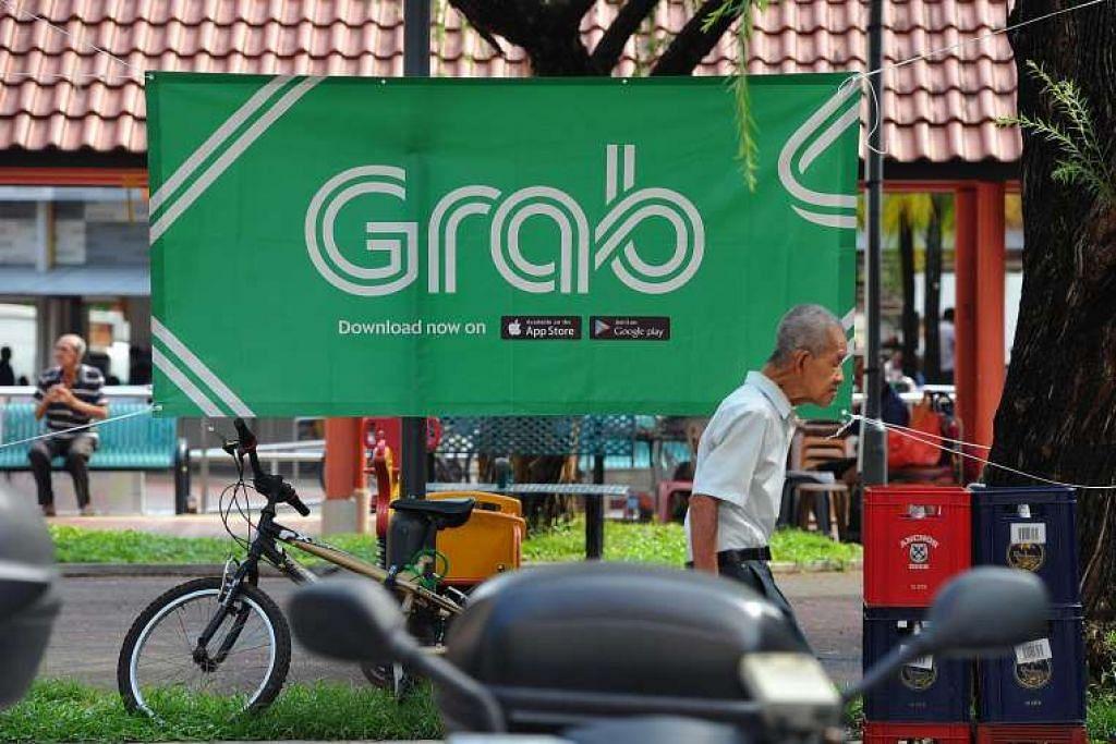 Iklan bagi sewa kereta privet Grab di Bukit Merah.