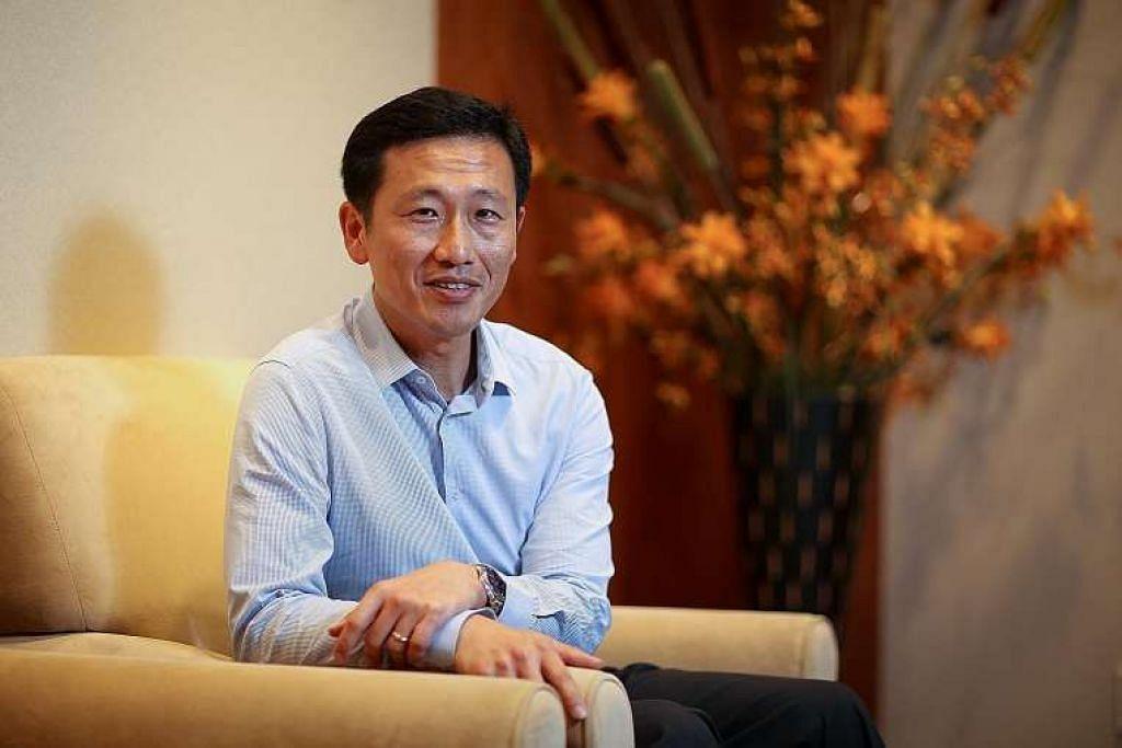 Pemangku Menteri Pendidikan, Encik Ong Ye Kung, yang bertanggungjawab bagi pendidikan dan kemahiran tinggi, berkata pemerintah sedang bekerjasama dengan universiti dan syarikat yang dipilih untuk melancarkan beberapa program perintis menggabungkan kerja dan pengajian ijazah.