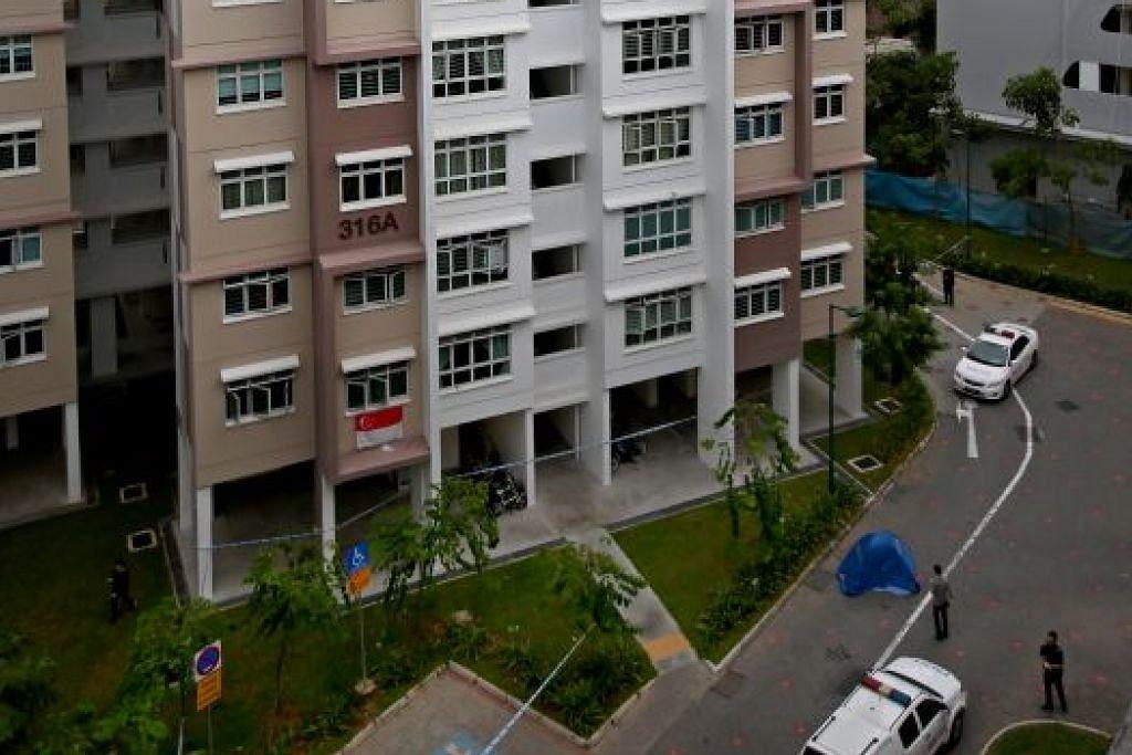 Mayat Benjamin Lim ditemui di kaki blok flat di Yishun ini pada 26 Januari 2016.