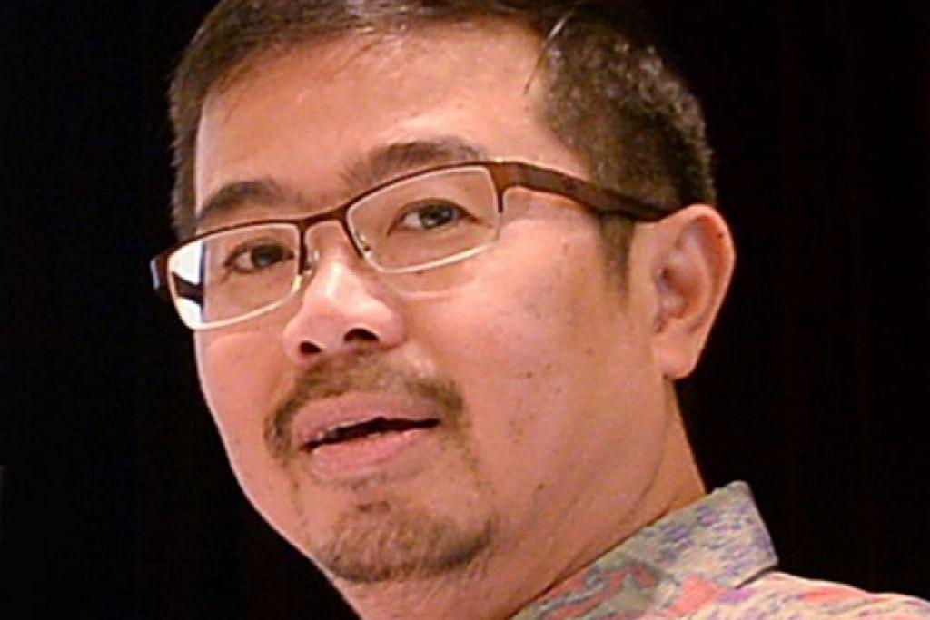 Encik Zainal Sapari, pengerusi majlis bandaran Pasir Ris-Punggol, berkata lif yang mempunyai masalah salah jajaran akan diperiksa lagi.